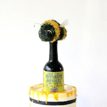 honey bee wine bottle